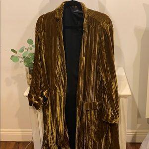 Beautiful Zara long velvet blazer